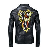deri ceket yeni mens tarzı toptan satış-2019 Yeni Palto Punk Tarzı Erkek Tasarımcı Deri Ceket Veste De Cuir Nakış Harf PU Ceket Streetwear Siyah Plus Size M-3XL