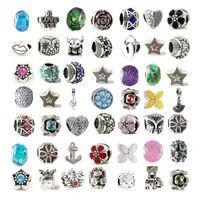 ingrosso fascia di clip in plastica-Mescolare perle di vetro con perle di cristallo per almeno 100 stili diversi per bracciale Pandora