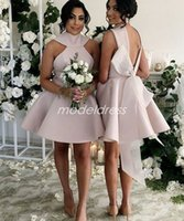 mini vestidos de novia arco al por mayor-Populares vestidos de dama de honor cortos 2019 Backless Mini Big Bow Satin Country Árabe Jardín Boda Vestidos de invitados Vestido de dama de honor barato