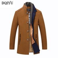 коричневые люди оптовых-DQIYU Winter Men's Jacket Woolen Coat Scarf Collar Casual Thick Trench Coat Slim Fit Brown Wool Jacket Men  Clothing