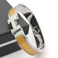 brazaletes de oro de plástico al por mayor-La nueva pulsera HB37 de acero inoxidable para el cumpleaños de las mujeres elige el brazalete de moda de envío gratis con un estilo diferente