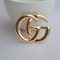 kıyafetler mücevherat toptan satış-Cassic Çift Mektup Broş Moda Kadınlar Için Broşlar Pin Giyim Aksesuarları Takı