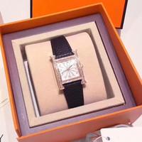 relojes de lujo de lujo de cuero de la mujer relojes al por mayor-Dimond Mujeres de lujo Relojes de cuero Diamante Moda mujer Reloj de cuarzo Vestido rojo Reloj Reloj Montre Femme Reloj mujer dropshipping