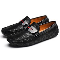 zapatillas casual hombre großhandel-2019 echtes Leder Schuhe Männer Casual Fahren Müßiggänger Buchstaben Arbeit Zapatillas Hombre zapatos de hombre Herren Mann Schuhe 7781