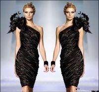 vestido zuhair murad negro flor al por mayor-Zuhair Murad Little Black Vestidos de cóctel formales Un hombro Flor Plumas Vestido de fiesta Vestido de fiesta Con cuentas Volantes Sexy Club Barato