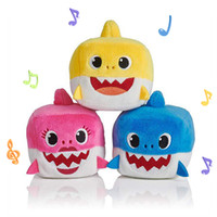 pequeños animales lindos al por mayor-7 cm (2.76 pulgadas) Baby shark con música Cute Animal Plush 2019 Nuevo tamaño pequeño Baby Shark Dolls Singing English Song para niños niña B