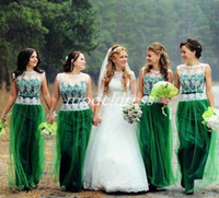ver a través de vestidos de dama de honor al por mayor-Emerald Green Bridesmaid Dresses 2019 See Through Floor Length Lace Sash Garden Country Beach Boda Vestidos de invitados Vestido de dama de honor Barato