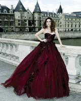 victorian gothic cosplay kleider großhandel-Gothic viktorianischen Ballkleid Abendkleider Halloween Cosplay Prom Kleider Burgund geraffte Schatz Tüll Kleider handgefertigte Blumen