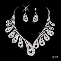 silber perlen halskette ohrringe gesetzt großhandel-2020 elegantes Silber überzogen Perlen Strass Braut Halskette Schmuck-Set Günstige Zubehör für Prom Abend 150-42