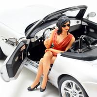 modelo sexy de beleza venda por atacado-1:18 boneca modelo feminino sentado posição com modelo de carro cena modelo de beleza sexy