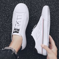 Wholesale celebrity hair for sale - High Quality Fashion Men High Top British Style packaging hair box delivery Men Shoes Gold Bottom celebrity style moccasin gentlemen