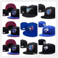 fans blau großhandel-New Hot Männer Toronto Blau Farbe ausgestattet Hut flache Krempe bestickt blau Jays Team Logo Fans Baseball Hut Blue Jays voll geschlossene Chapeu BH