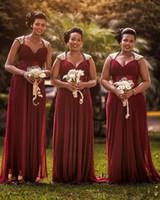 vestido de dama de honor escote drapeado al por mayor-Vestidos de damas de honor borgoña sudafricanos para bodas de verano A line Cap Mangas hasta el suelo Vestidos de boda para invitados Más tamaño