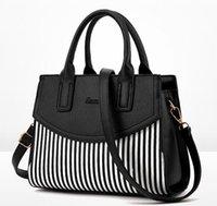 sac boston noir fashion achat en gros de-sac de femmes mode femme sacs fourre-tout de luxe en cuir occasionnel bandoulière noir bande cuir sac à main épaule de haute qualité