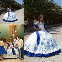vestidos de debutante azul blanco al por mayor-Vestidos de quinceañera con bordado blanco y azul 2020 con hombros descubiertos Vestido de fiesta largo Vestido de fiesta Vestido de 15 nos