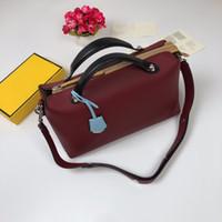 elegante reisende rote taschen großhandel-weinrot farbe kissen taschen elegante große kapazität für dame kleid arbeitsreise designer marke top qualität echtes weiches leder umhängetasche