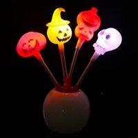 ingrosso luci per zucche di halloween-Halloween gioca LED Zucca teschio Flash luce di incandescenza Sticks Palo di decorazione del partito puntelli di Halloween Vesti Accessori 4 stili di trasporto