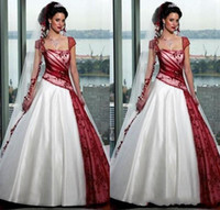Wholesale black simple gothic wedding dresses online - 2019 Red and White Gothic Wedding Dresses Square Fall Plus Size Ball Gowns Short Sleeve Organza Sweep Train Sexy Backless Bridal Custom Made