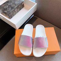 bayanlar ayakkabı slaytları toptan satış-Lüks Tasarımcı Çevirme Mens Womens Yaz Sandalet Plaj Slayt Terlik Bayanlar Sandali Firmati Da Donna Ayakkabı Klasik Lazer Renkli