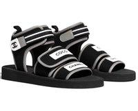 schwarze schnalle sandale großhandel-Branded Frauen Druck Brief Schwarz Stoff Sandale Schnalle Designer Dame Offene spitze Gummisohle Casual Sandalen