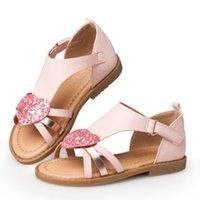 сандалии с сердечком оптовых-Детская обувь Сандалии для девочек Красные розовые сандалии в форме сердца с плоским носком Школьная обувь Дышащие детские сандалии