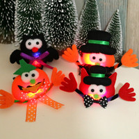 Wholesale selling brooches for sale - Group buy Luminescence Brooch Halloween Smile Formal Hat Pumpkin Owl Brooches Party Children Gift Hot Selling With Different Pattern yh J1
