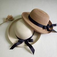sombrero de verano de las mujeres coreanas al por mayor-Las mujeres del verano lindo Boater Caps del sol Cinta coreana Ronda Flat Top de paja Sombrero de playa Sombrero de Panamá Para dama Forstraw Hat Snapback Gorras