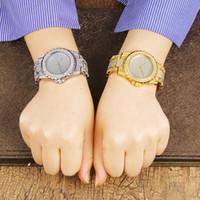 женские наручные часы оптовых-Хип-хоп Бриллиантовые часы для женщин Iced Out Gold Tone Женские кварцевые часы Женские Полный Кристалл Циферблат Женские платья наручные часы прямая поставка
