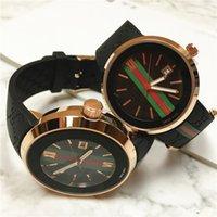 86a41a398a20 Venta caliente de Moda Hombres   mujeres Reloj de Cuarzo Reloj Deporte  Fecha relojes de pulsera de calidad superior AAA famosa marca de goma  Relojes De ...