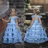 niñas vestidos bohemios al por mayor-Vestidos de niña de las flores bohemias 2020 para encaje de novia Faldas escalonadas con apliques Vestido de desfile de niñas pequeñas Vestidos de primera comunión