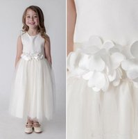 Wholesale princess little model for sale - Group buy 2019 Cheap simple Lovely pure white long Flower Girls Dresses for wedding Lace Tulle Little Girls Formal Wedding Party Gowns custom made