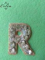 r carta de plata al por mayor-Crystal A-Z Letter R Rose Gold Beaded con Crystal Silver Rhinestone Applique para fiesta