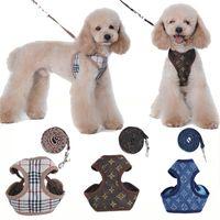 colarinho venda por atacado-Moda Pet Leash Corda para Cão Pequeno Cat Puppy Arreios com Impressão Clássica Teddy Schnauzer Ajustável Chest Collar com Corda de Tração