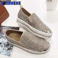 düz ayakkabı kristalleri toptan satış-2019 marka Avrupa moda Espadrilles Ayakkabı Kadın deri sürüngen flats bayanlar loafer'lar kristal loafer'lar g361