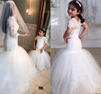 beyaz kız güzellik yarışması elbiseleri toptan satış-2020 Beyaz Dantel Çiçek Kız Elbise Düğün İçin Güzellik Kısa Kollu Mermaid kız doğum günü partisi Elbise Trompet Küçük Kız Pageant Giyim