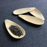 bambu yeşil çay toptan satış-Sıcak satış Sevimli Kavun tohumu şekli Damla şeklinde El Yapımı Mini Bambu Çay Kepçe Kung Fu Çay Kaşık Siyah Yeşil Çay Kürek Hediye Arkadaşlar Için 1 ADET