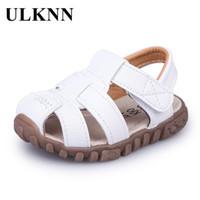 chaussures d'été fermées achat en gros de-Ulknn Été Enfants Chaussures Fermer Toe Toddler Garçons Sandales Découpe En Cuir Respirant Plage Sandalia Infantil Enfants Chaussure Confort Q190601