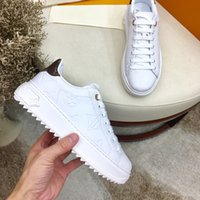 Wholesale flat shoes for sale - Group buy High Quality High Top Sneakers Shoes Women Men Luxury Designer Flat Casual Autumn Winter Casual
