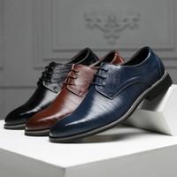 business kleider plus größe großhandel-Hochwertige Schuhe der plus-size Männer US6 ~ US13 neues Geschäftskleid, das lederne Schuhe klassische Hochzeitsschuhe des Bräutigams bearbeitet