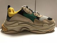 top alt großhandel-Luxury Designers Sports Freizeitschuh Triple S Designer Niedriger Alter Vater Sneaker Kombination Sohlen Stiefel Mens Womens Runner Schuhe Top Qualität