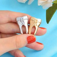 ingrosso doni a forma di dente-Distintivo regalo Tooth forma Spilla Pin Carino infermiera Medico Dentista Suit Camicia Collare