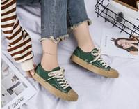 vestido de zapatos con descuento al por mayor-2018 Descuento de la marca Chaussures Diseñador de moda Bottoms Dress De Luxe Hombres Mujeres fiesta popular picnic zapatos casuales con caja