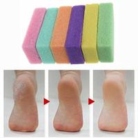 ingrosso pietra di pietre macinanti-Fashion Grinding Foot Stone Dead Skin Callus Remover Cura del piede Strumenti per pedicure Fashion Nail Care, Manicure Pedicure