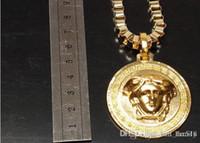 hip-hop-anhänger marke großhandel-Hip Hop Medusa Circluar Marke Männer Brief Gedruckt Cirlce Marke Halskette Mode Anhänger Hip Hop Rock Geschenke für Freunde
