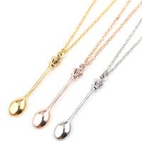 ingrosso accessori della collana del pendente della corona-Fascino Mini Crown Spoon Shape Pendant Necklace Neckchain with For Women Jewelry Gift Maglione creativo Accessori per gioielli
