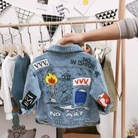 bebeğin kot ceketi toptan satış-2019 Yeni Tasarımcı Çocuk Boys Denim Ceket Bebek Sokak Kot Ceket Erkek Bahar Denim Dış Giyim 1-3 yaşında