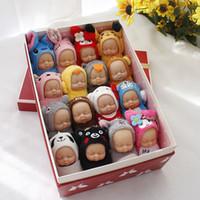 accesorios de coche para las mujeres al por mayor-Lindos lindos juguetes de peluche con llavero Sleeping Baby Doll Llaveros para mujeres Accesorios para bolsos Llavero de coche Muñecas Pompom para niños