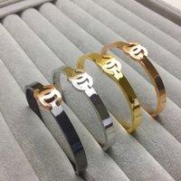 armband ring gold farbe großhandel-4 farbe designer marken paar armreif mode luxus brief armreif halsketten 18 karat titanium stahl überzogen frauen armband für geburtstagsgeschenk