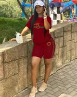 arte cuervo al por mayor-Trajes de las mujeres 2 piezas Diseñador Pantalones cortos conjunto Rayas letra G Chándal Cuello redondo Camiseta Shorts Verano Moda Streetwear Sport Suit C6608
