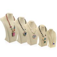 exhibición de la joyería del busto del collar del maniquí al por mayor-Soporte de collar de lino Maniquí Exhibición de la joyería Colgantes Titular Modelo Estante Cuello Busto Marco Escaparate Collar Exhibición